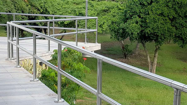 Lavi Prefabricated Posts & Railing Systems 316 SS